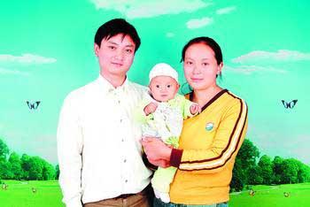 女子拒绝大款20万元包养 照顾植物人丈夫(图)